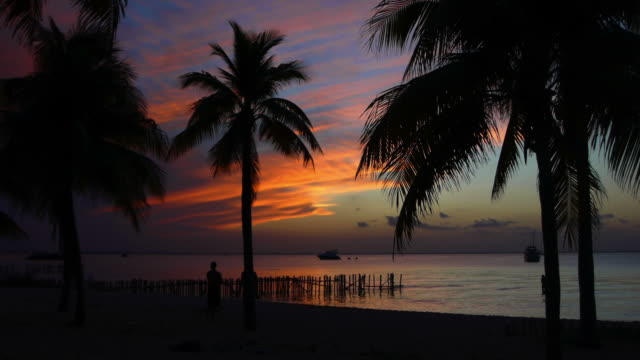 Sunset at Isla Mujeres video