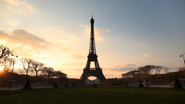 Sunset behind Eiffel Tower video