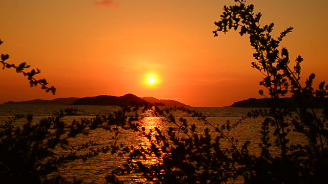 Sunset Scenic on the Island video