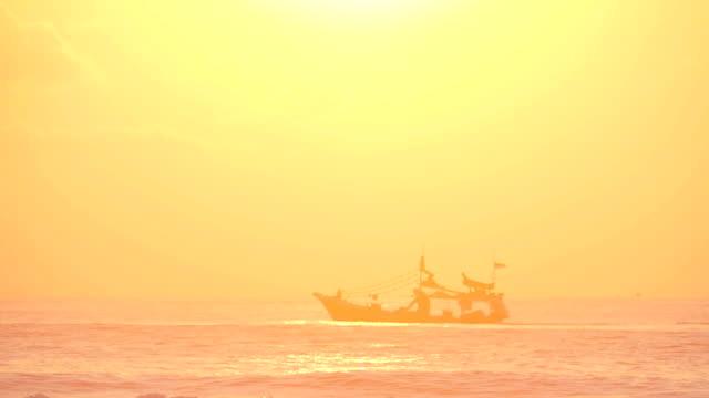 Sunset Ship 96FPS video