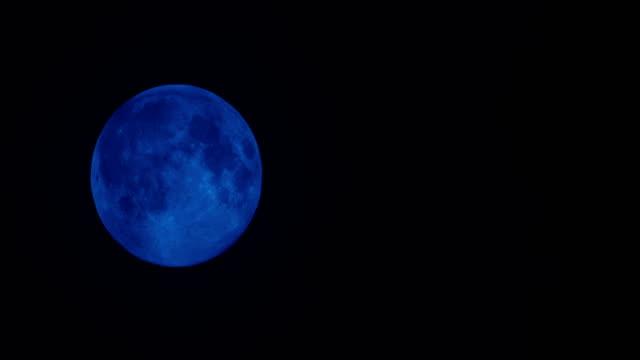Super full moon down night sky 4K Time Lapse Video video