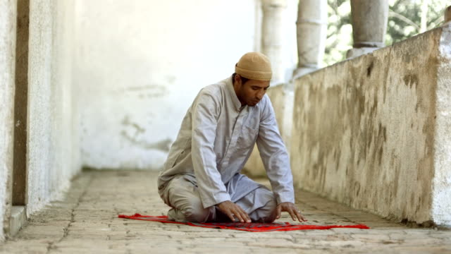 HD Super Slow-Mo: Muslim Man In Sujud Position video
