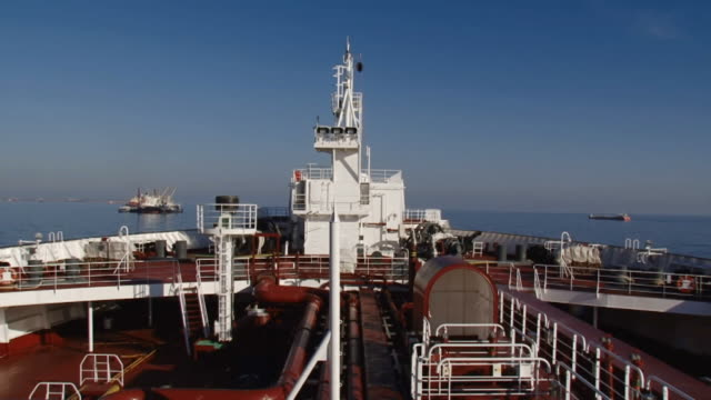 supertanker at sea video