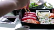 Sushi sharing   FO video