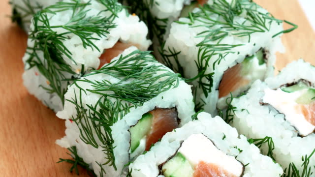 sushi with greens spinning video