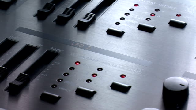 Synthesizer video