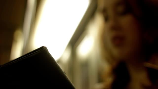Tablet / e-book reader video