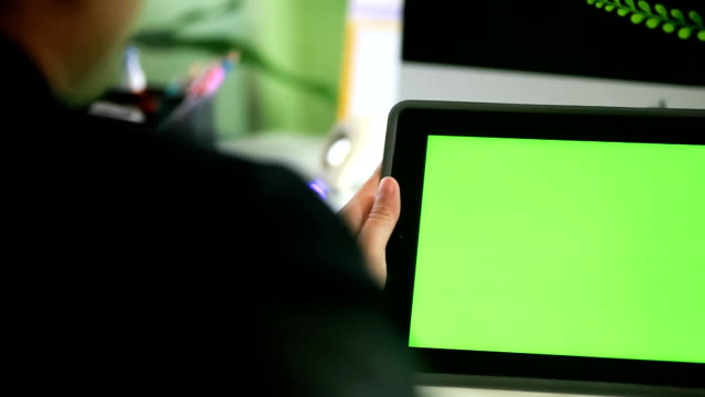 Tablet PC green screen video
