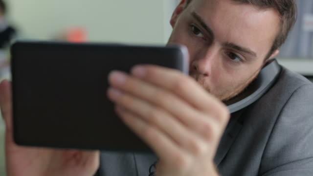 Tablet phone    CM video