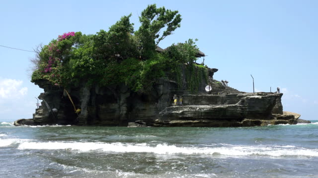Tanah Lot Temple, the most important hindu temple of Bali, Indonesia video