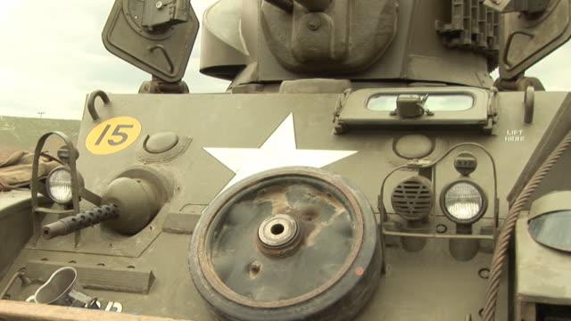 Tank / Military vehicle - HD & PAL video