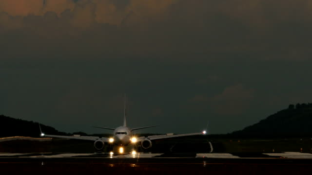 Taxiing video