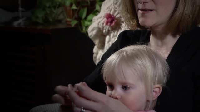 Teaching Child to Pray video