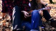 Teaching ukulele in nature video