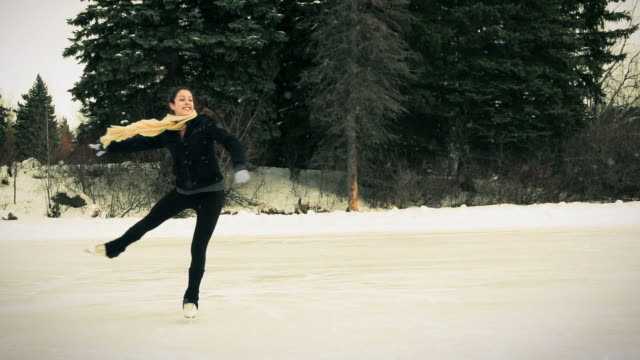 Teenager skates in freedom. video