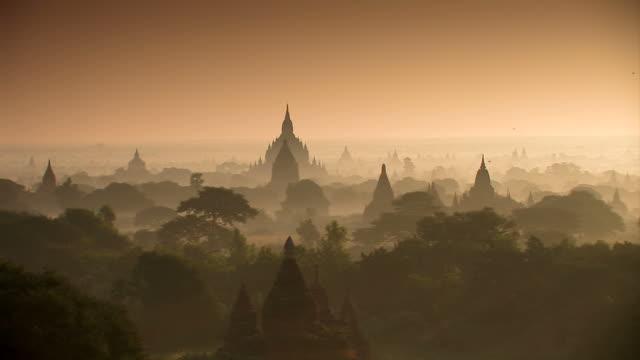 Temples - Bagan_Schwenk video