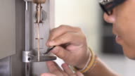 Thai engineer put platinum pan in TGA video