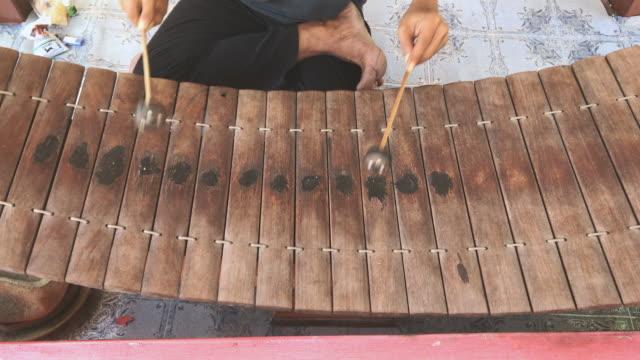 Thai folk music instrument, wooden xylophone video
