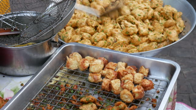 Thailand's Fish cakes, Street Food video