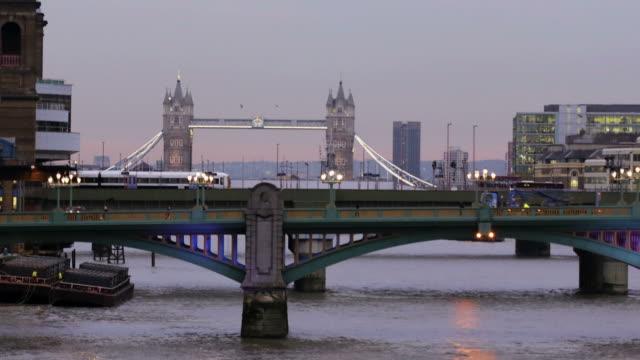 Thames, London, time lapse      CI COM video