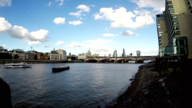 Thames River, St. Paul's Cathedral,  Real Time, London video