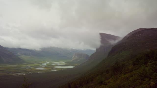 The cliff Skierffe in Rapadalen, Sarek video