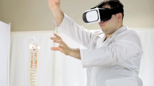 The doctor conducts a virtual surgery, glasses virtual reality video