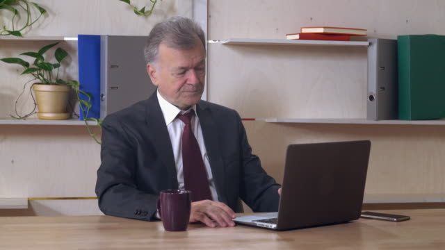 the end of the workday leader in years video