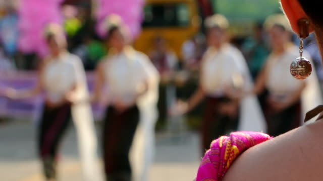 The girl watch Thai Dance video