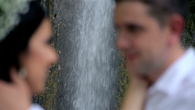 the kiss of a young couple video