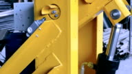 The operation of hydraulic cylinder video