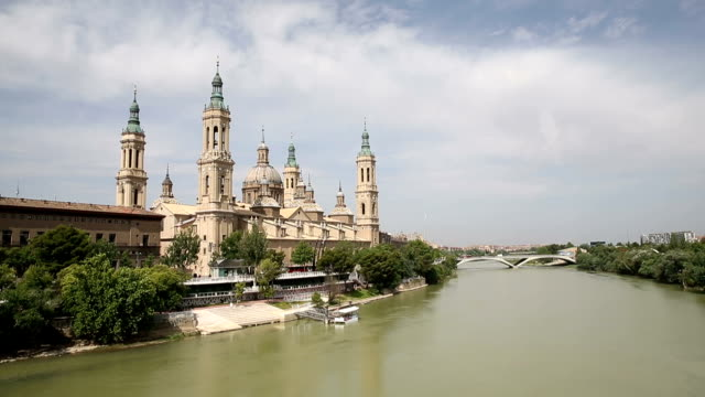 VDO : the Pilar Cathedral in Zaragoza, Spain video