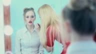 The reflection in the mirror make-up work. Makeup artist paints lips video