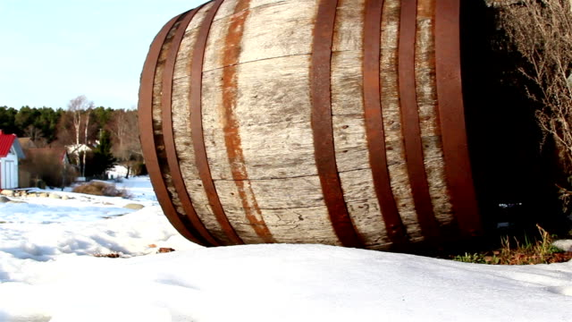 The side view of an old barrel video