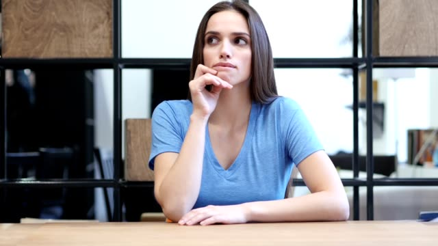 Thinking Woman Got New Idea, Indoor video