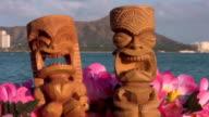 Tikis Hawaii Oahu Waikiki Diamond Head Tiki Maui Surf video