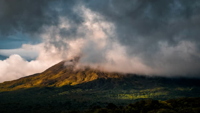 Time lapse of the summit of the volcano of Arenal video
