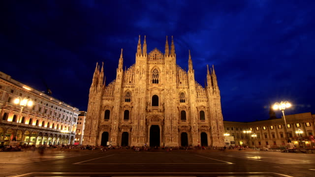 HD Time lapse - Piazza Duomo Milan twilight to night video