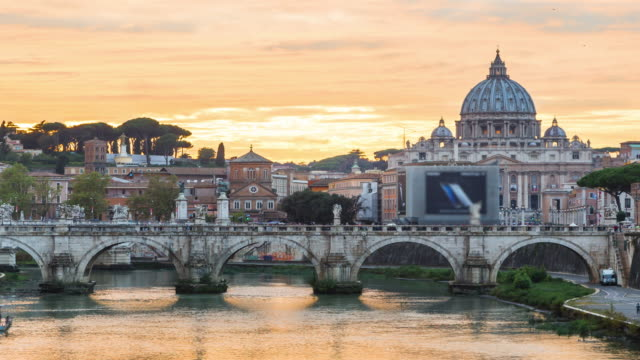 Time Lapse: Sunset of St. Peter's cathedral in Rome, Italy video