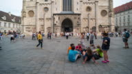 Time Lapse, Tourist waking at St. Stephen's Cathedral, Vienna video