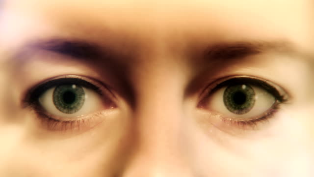 Time Pressure - Running Clocks in the Eyes video