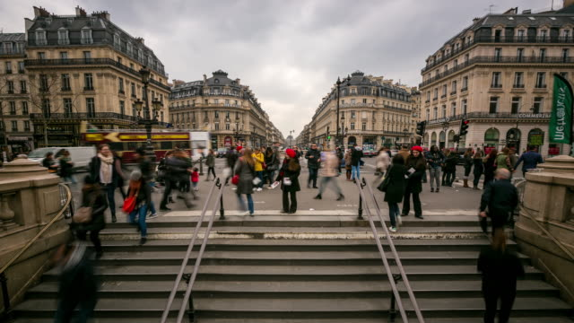 time-lapse: Crowded Pedestrian at Opera Paris video