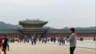 time-lapse - crowded people at Gyeongbokgung Palace,Seoul video