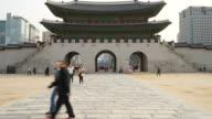 time-lapse crowded people at Gyeongbokgung Palace,Seoul video