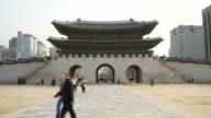 time-lapse : crowded people at Gyeongbokgung Palace,Seoul video