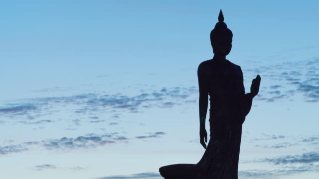 4K Timelapse Day to night: Buddha statue in Twilight. video