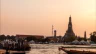 Timelapse day to night of Wat Arun near Chaopraya river video