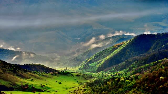 'TimeLapse': Mountain Sunrise Cloud video