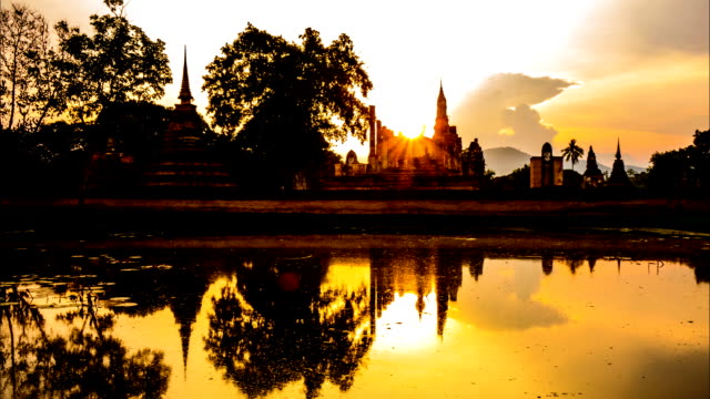 Timelapse Of Wat Mahathat in Sukhothai Historical park, Thailand video