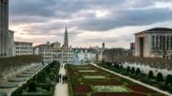 Time-lapse: Pedestrian Brussels Grand Place garden Belgium sunset video